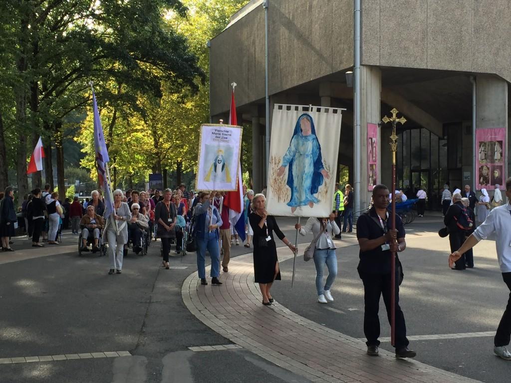 8 In Lourdes - foto 1, Mervin Livingstone