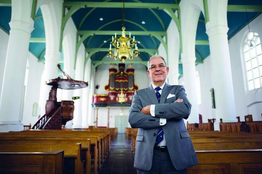 Barend Weegink brengt 'kathedraal van Scheveningen' bij de tijd